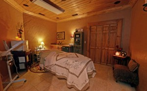 SERENITY IN THE MOUNTAINS SPA-small-025-Massage-666x417-72dpi
